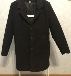 Чёрное пальто с подкладом