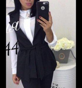 женский костюм prada