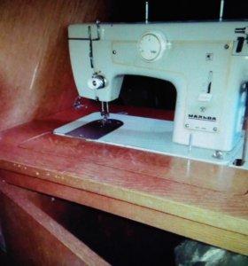 Швейная машина Мальва