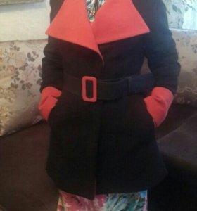 Пальто новое, классическое ,строгое