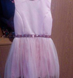 Платье нарядное для девочки фирма Акула рост 146см