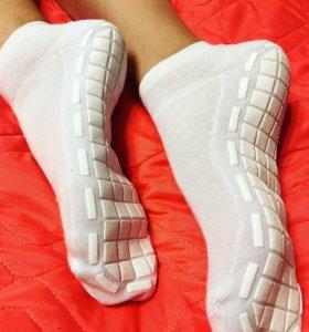 Носки для гимнастики/батута с резиновой подошвой