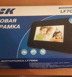 """Цифровая фоторамка BBK 7"""""""