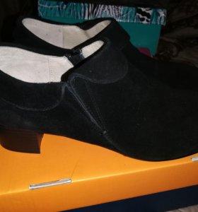 Туфли (полуботинки) 38 р-р