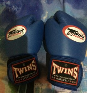 Перчатки Twins 10oz