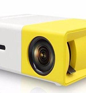 Мини Led проектор YG-300