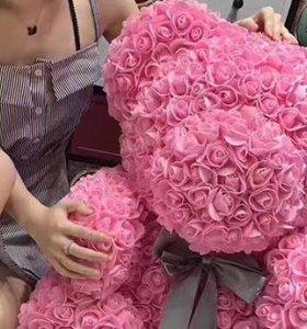 Мишки из роз + 4 подарка Мишка из роз Luxe 700 роз