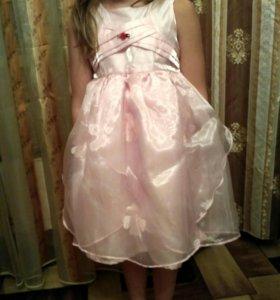 Платье нарядное для девочки 98р.