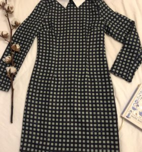 Новое//платье с воротничком