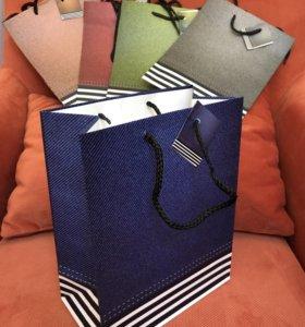 Пакеты бумажные для подарков. Праздничные пакеты.