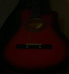Продам гитару с чехлом