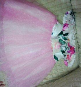 Продам платье на малышку до 5-6 мес.