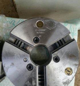 Патрон токарный польский СТ-200ВФ6
