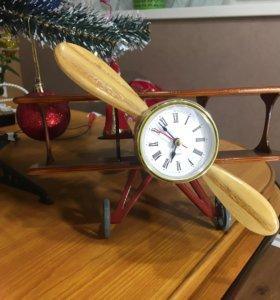 Часы самолёт