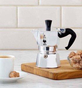 Кофеварка гейзерная итальянская Bialetti(новая)
