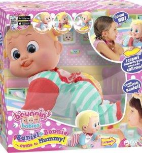 Интерактивный ползающий пупс Bouncin babies