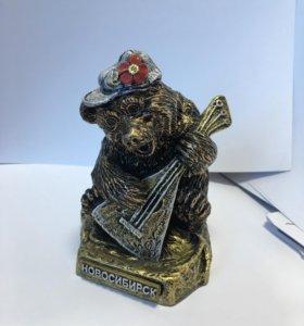 Сувенир «Медведь с балалайкой» (средний)
