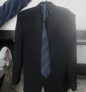 Продаю пиджак и брюки чёрного цвета, техноавиа.