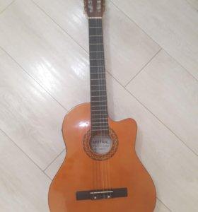 Классическая гитара mistral