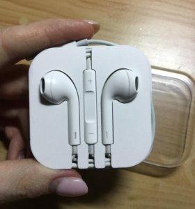 Проводные наушники Apple EarPods