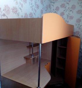 уголок школьника с кроватью и столом