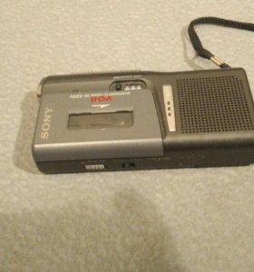 плёночный диктофон SONY