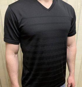 Спортивная футболка Uniqlo