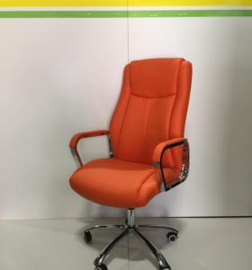 Новые компьютерные кресла оранжевого цвета