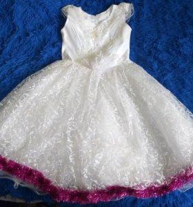 Продам платье почти новое от 5 до 10 лет