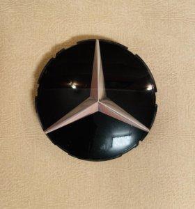 Эмблема на решетку радиатора Mercedes