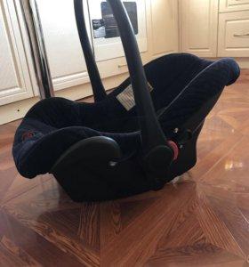 Автомобильное кресло переноска