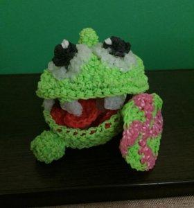 Плетёный из резиночек Райнбол лягушонок