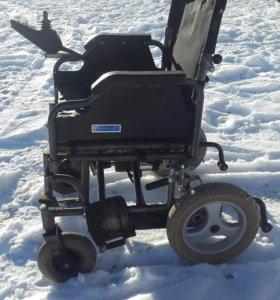 Инвалидная кресло-коляска электрическая TDG