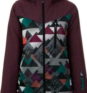 Продам новую утепленую куртку 50 размер