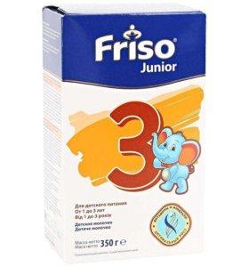 Продается смесь Friso 3