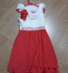 Платье праздничное р.134-140