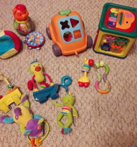 Отдам интерактивные игрушки для малышей.