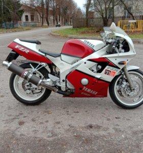 Yamaha  FZR.400RR