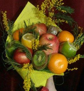 Вкусный букет из фруктов
