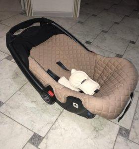 Универсальное кресло- авто люлька Happy Baby.