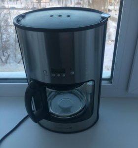 Кофеварка для молотого зернового кофе.