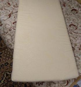 Матрас для детской кроватки с наматрасником