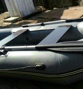 Лодка пвх 2 места новая в подарок электро насос