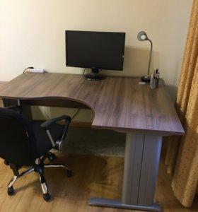 Компьютерный стол и тумба