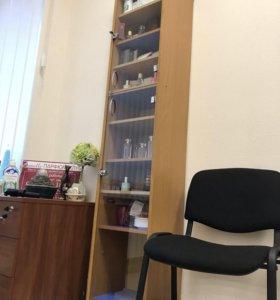 Шкаф офисный со стеклянными дверцами