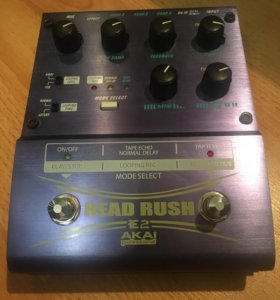 AKAI headrush e2 - delay/looper