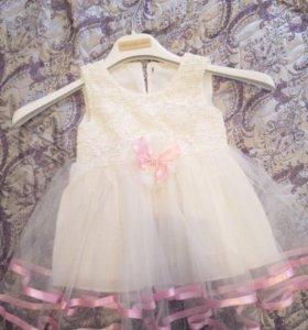 Продам нарядное детское платье для девочки возраст