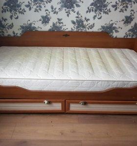 детская кровать с матрасом б/у
