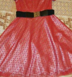 Маленькое красное платье,р.S
