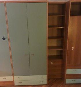 Гардероб (распашные двери) для детской бирюза/беж